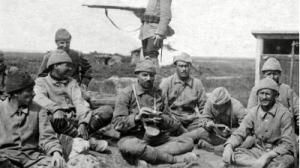 ottoman-soldiers-resting-in-gallipoli-area-1915
